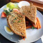 sandwich con pollo copertina