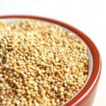 Insalata di quinoa con verdure e ceci