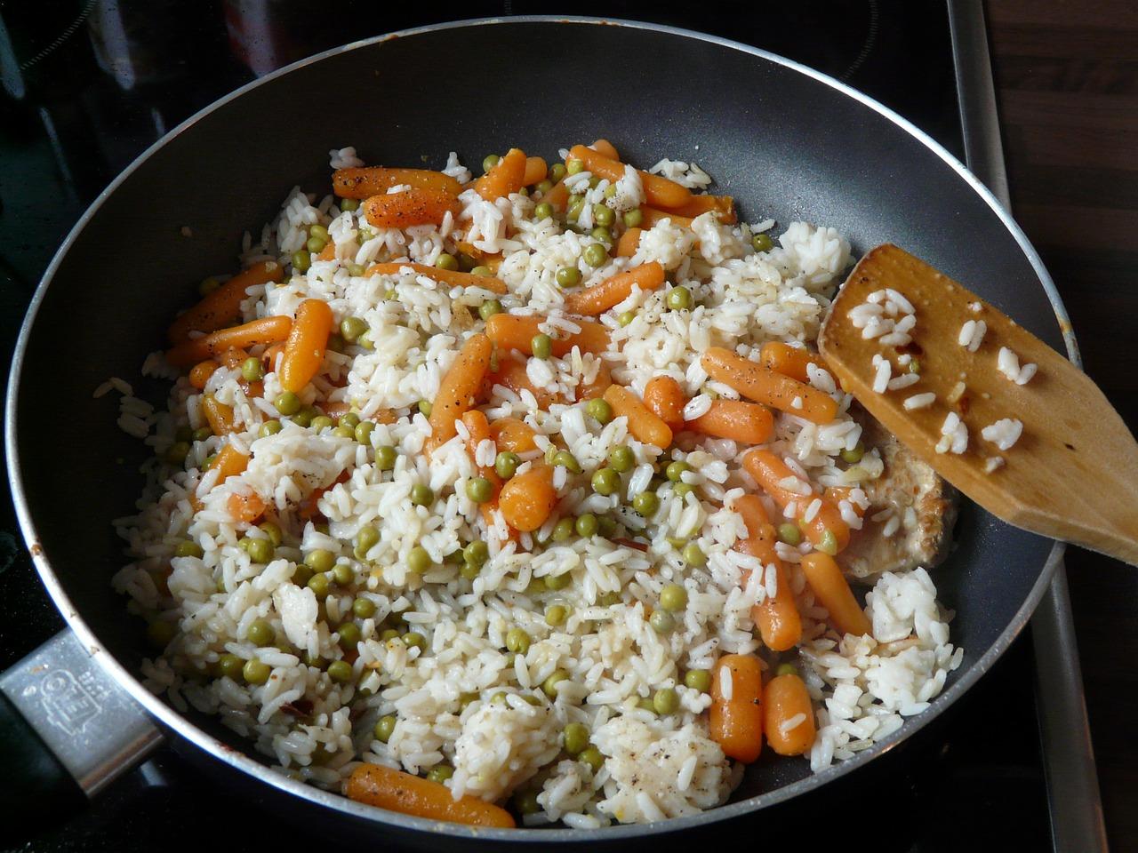 insalata di riso con piselli