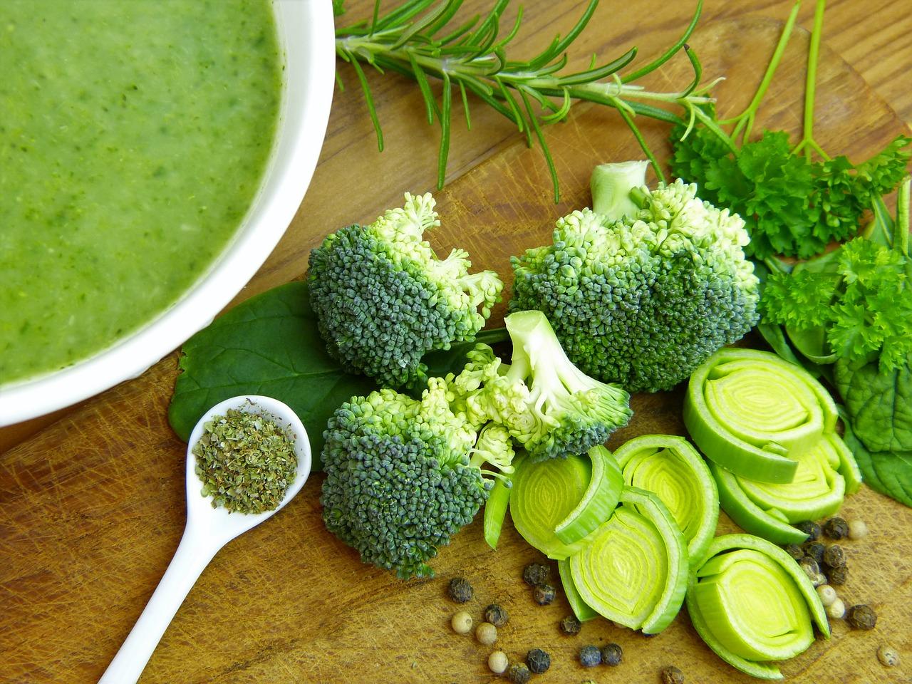 broccoli per insalata con broccoli e merluzzo